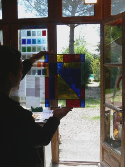 Vitraux, réalisés par les élèves de l'atelier Vitrail Toucouleur, jean